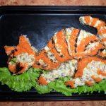 Этапы приготовления котика - рыбный салат со шпротами