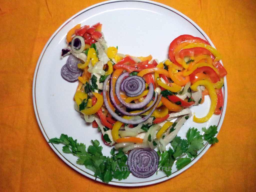 Маринованное мясо с овощами - вкусный и простой салат в виде петуха