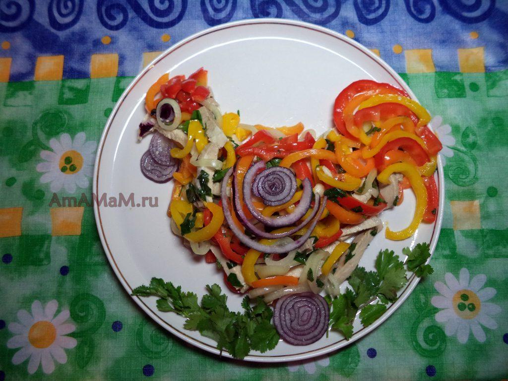 Салат с куриной грудкой слоеный с фото