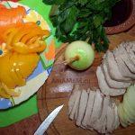Нарезка салата Кубанский полосочками (для маринования)