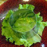 Как сделать порцию салата при помощи кольца