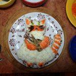 Кот с рыбой - приготовление салата из шпрот