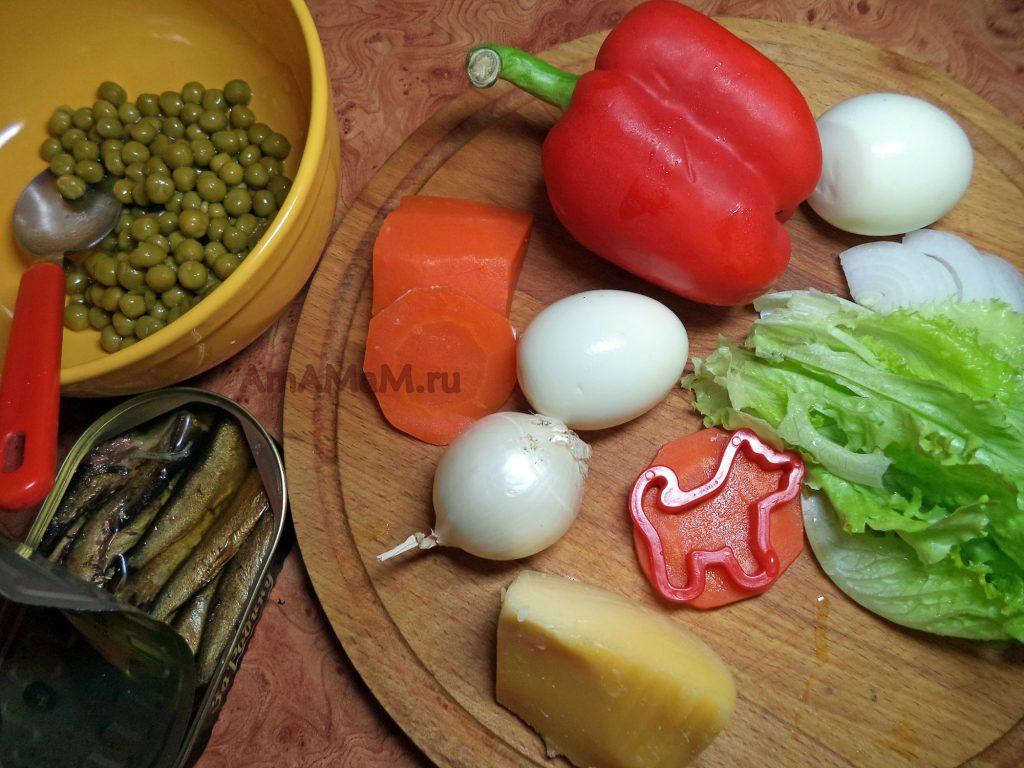 Состав салата со шпротами