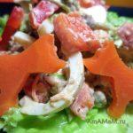Салат из шпрот со сладким перцем, листовым салатом и горошком