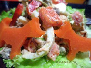 Красивый и вкусный салат с рыбными консервами (шпроты)