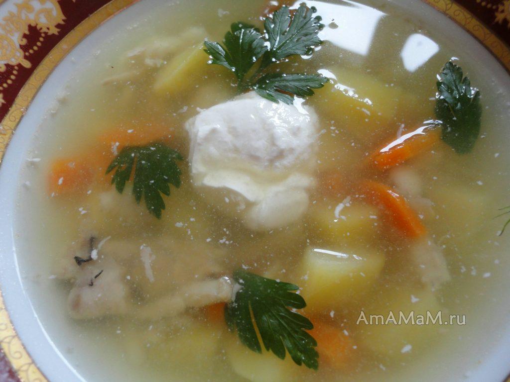 С чем подают рыбный суп из обрезков камбалы