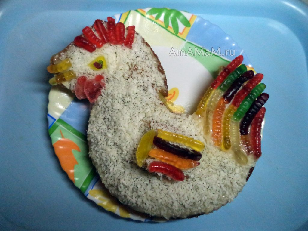 Петух - торт на тарелке для Нового года 2017