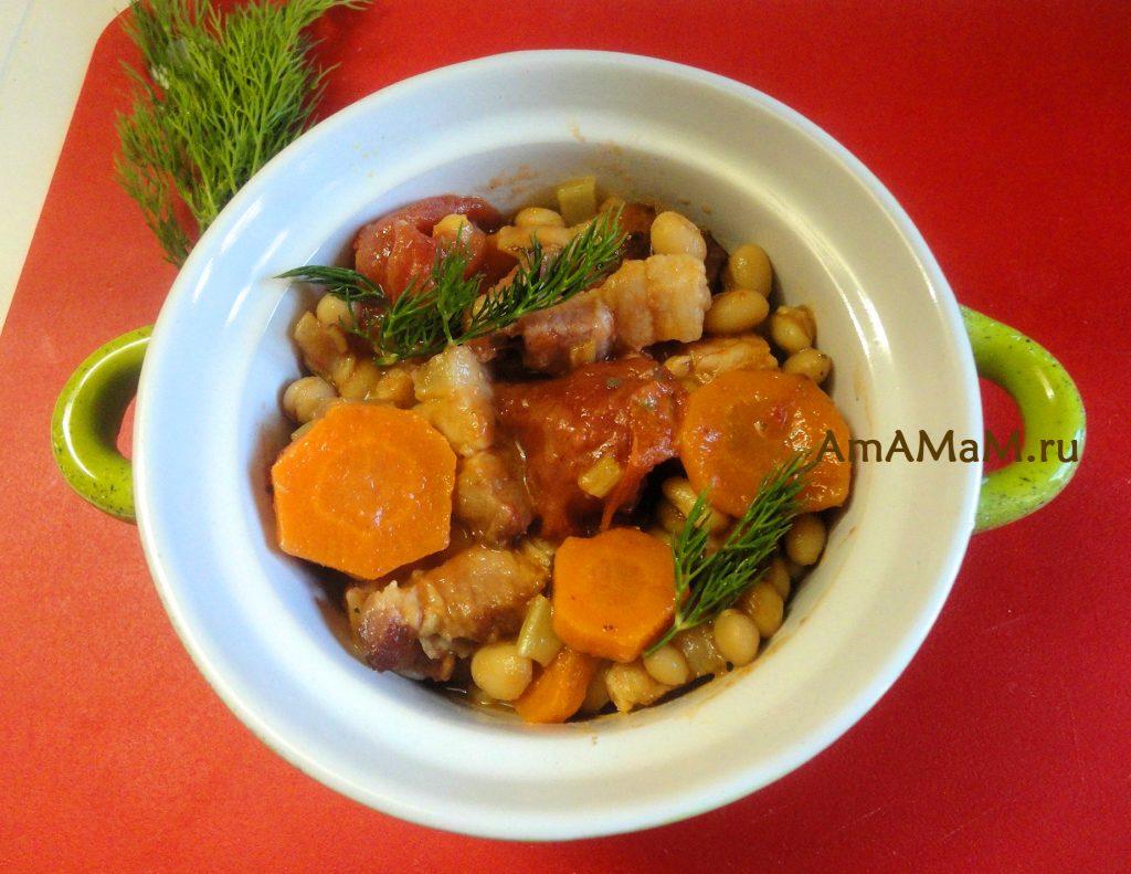 Тушеные овощи с фасолью и грудинкой - вкусное и простое в приготовлении блюдо на ужин или обед!