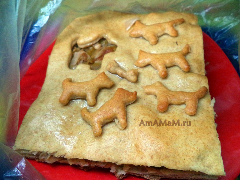 Как украсить пирог - простой способ с формочками для печенья