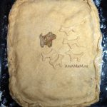 Пирог, украшенный собаками - фото