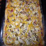 Приготовление домашней пиццы в майонезном соусе