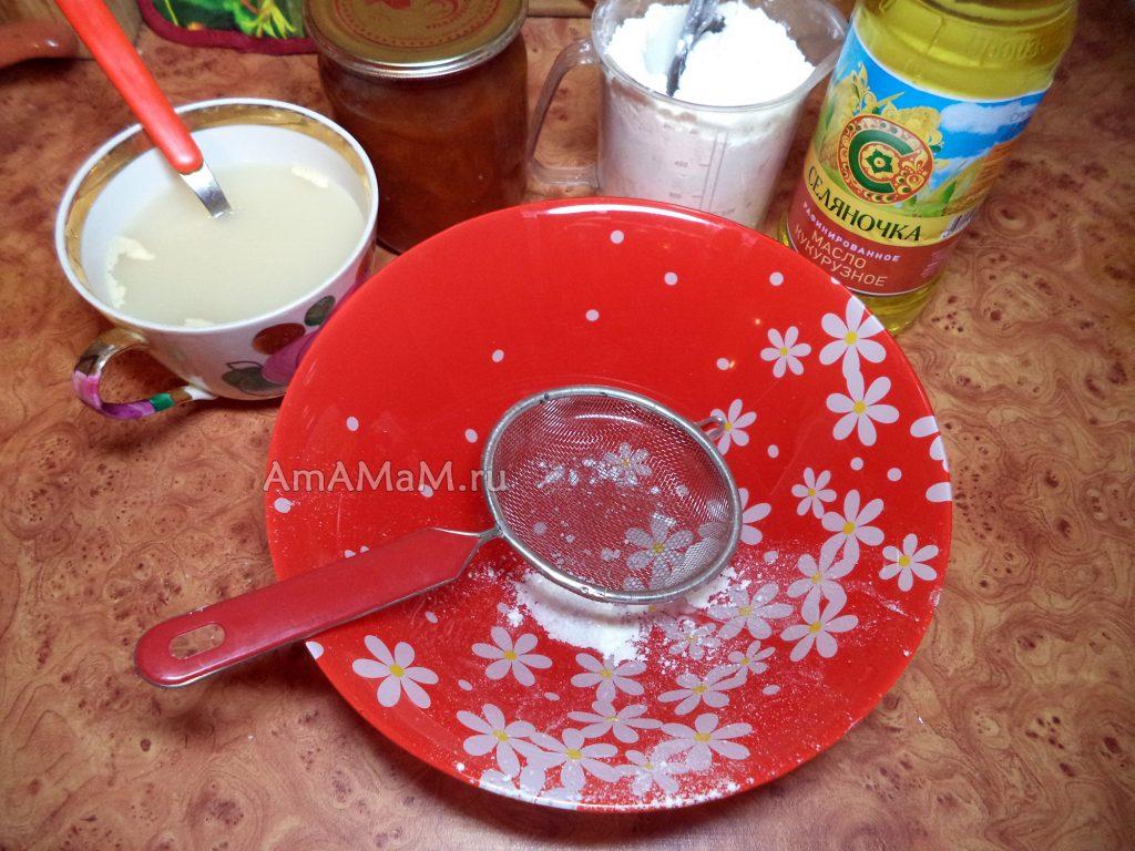 Ингредиенты постного теста и начинки для пирога