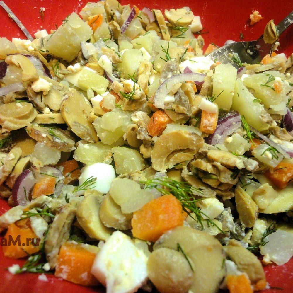 Салат из шампиньонов пошагово с