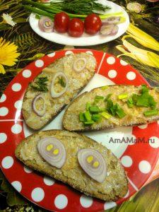 Закуска из свиного сала - рецепт смальца с яблоками и чесноком