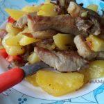 Картошка со свининой и вешенками