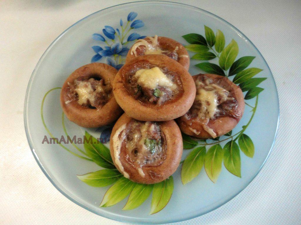 Баранки с фаршем под сыром - рецетп приготовления и фото блюда