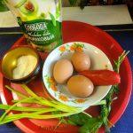 Из чего делают фаршированные яйца с зеленью