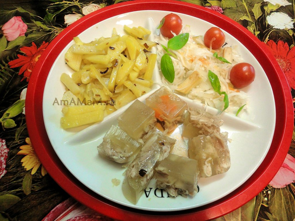 Картошка, холодец и квашеная капуста с помидорчиками-черри - домашний ужин, просто и недорого