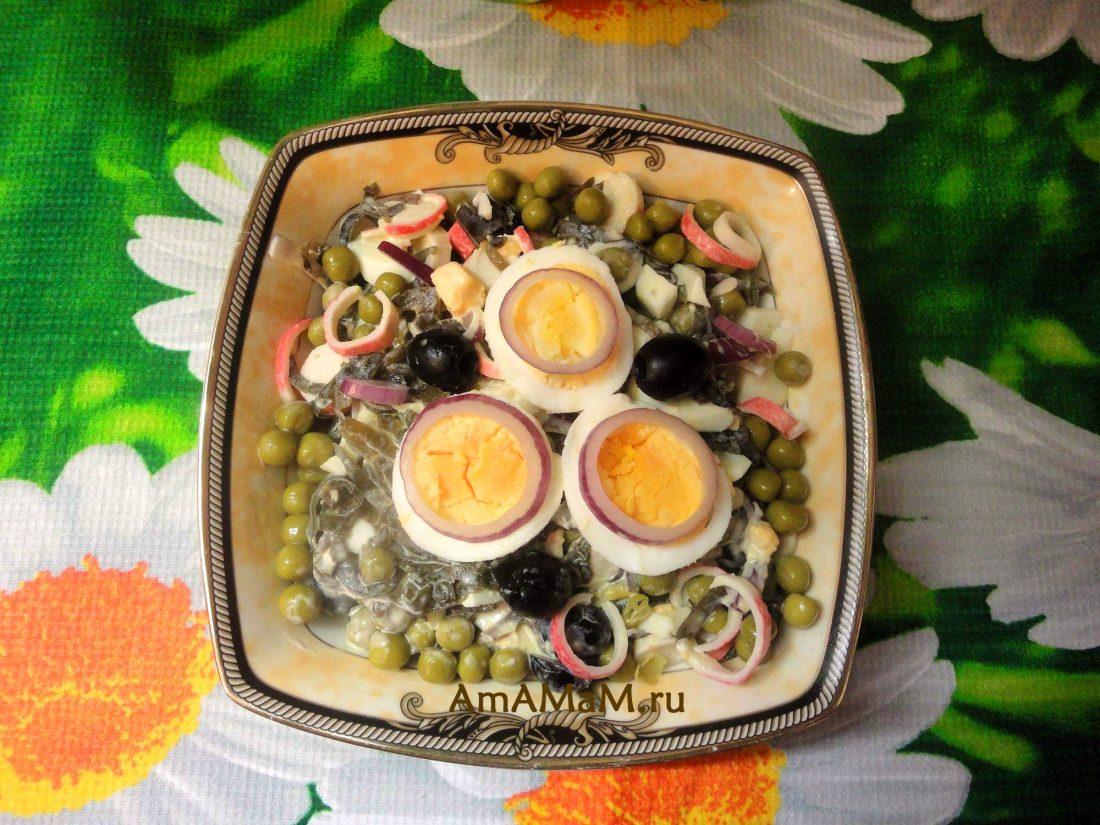Салат из кальмаров и морской капусты рецепт с
