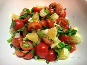 Способ приготовления салата с апельсинами и помидорами