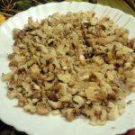 Фото порубленных грецких орехов для салата