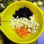 Способ приготовления салата с адыгейским сыром и пошаговый рецепт