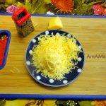 Сыр и маленькая терка