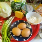 Капуста, зеленый лук, яйца, мука, крахмал, сыр, сметана, майонез, мука, манка, растительное масло