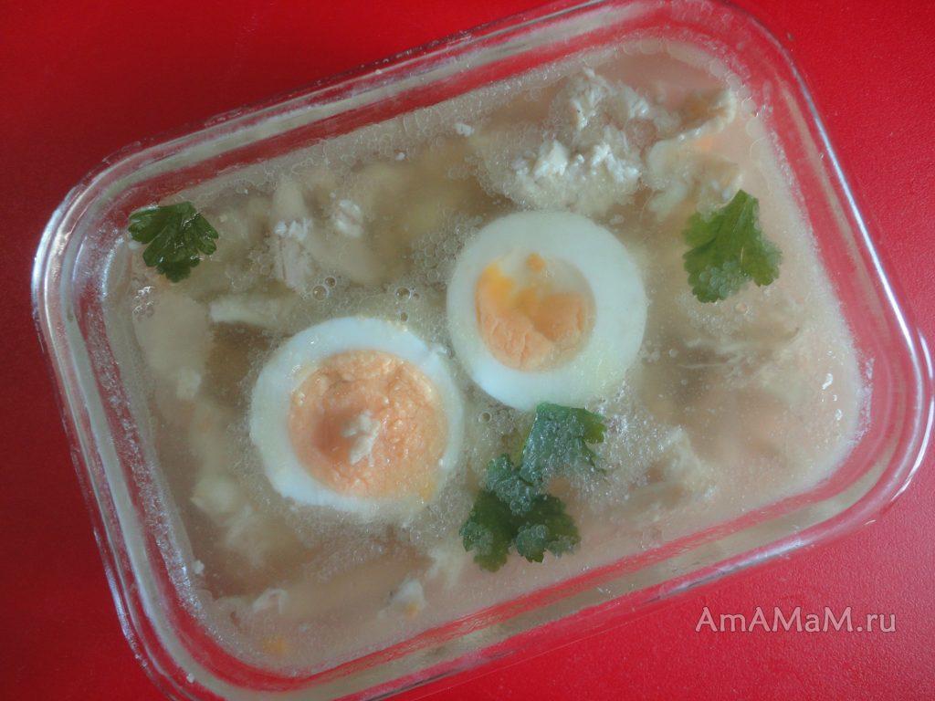 Домашний холодец быстрого приготовления с курицей и желатином