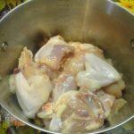 Курица в кастрюле (кусочками)