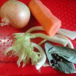 Что положить в бульон для варки мяса - пряности и коренья