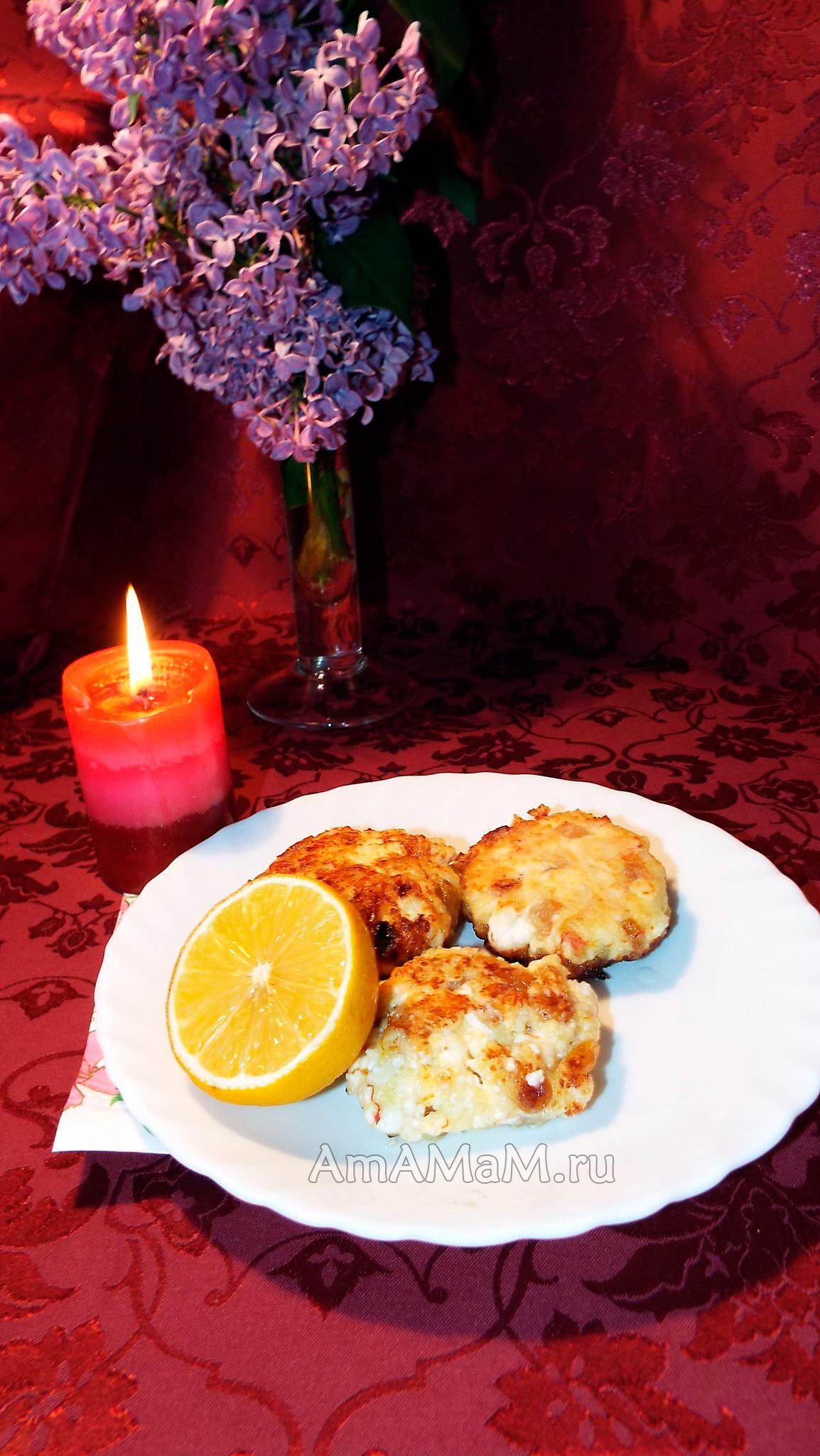 Вкусные сырники с изюмом и манкой рецепт с фото