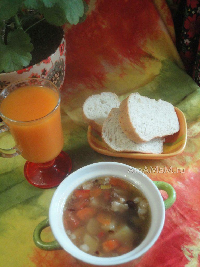Фасолевый суп с картофелем, овощами и бараниной