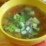 Фасолевый суп с мясом и зеленью