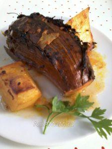 Печеные баклажаны с начинкой и печеной картошкой