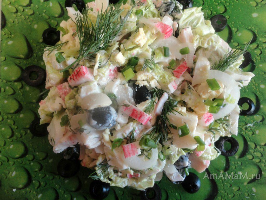 Крабовые палочки - простой салат