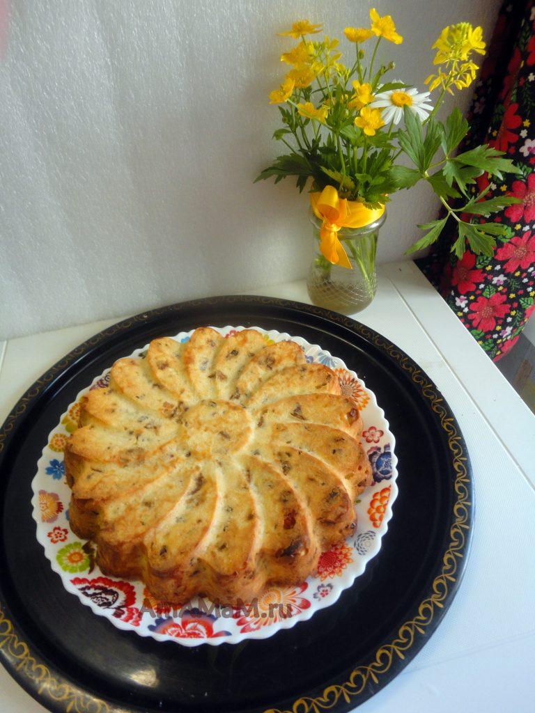 Инжировый пирог с изюмом и грецкими орехами