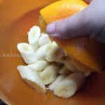 Как заливают бананы апельсиновым соком для сохранения цвета - фото