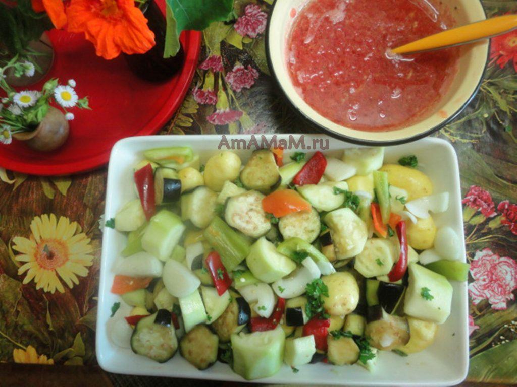 Запеченные в духовке овощи в томате