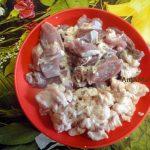 Нарезка мяса диафрагмы и жира для рецепта плова