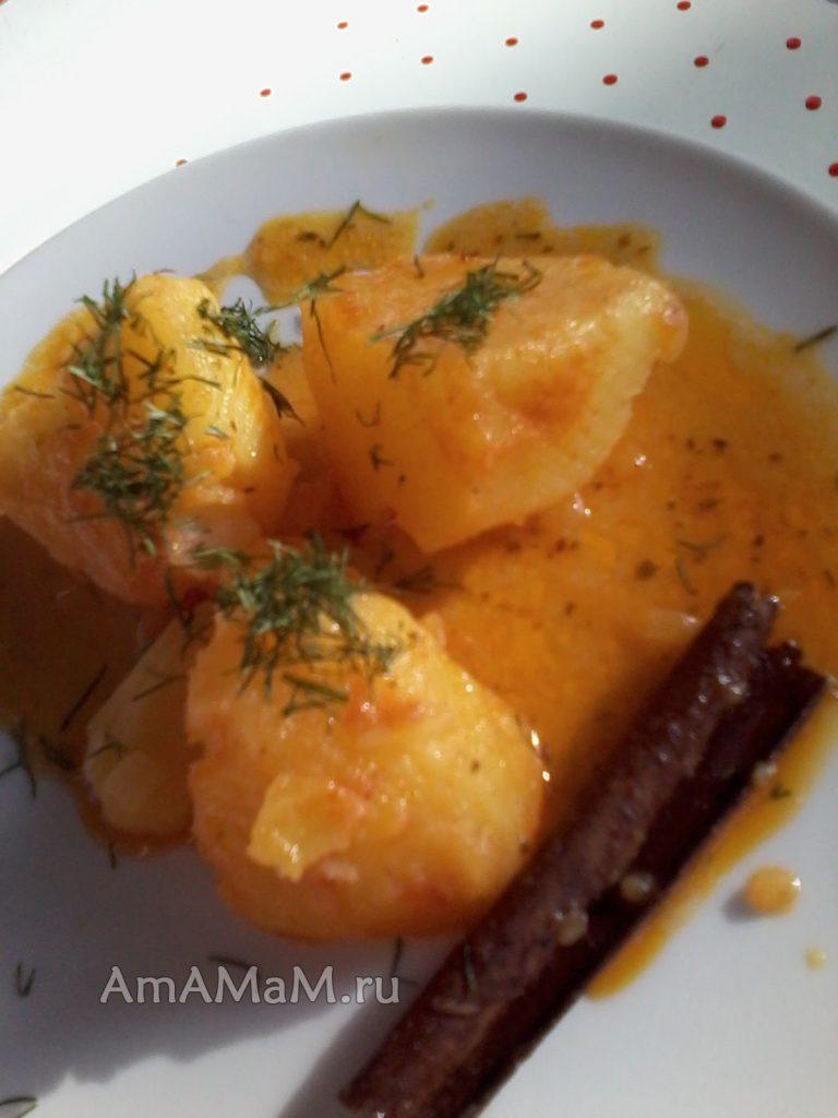 Греческий рецепт тушения картошки с луком в томате
