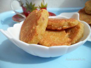 Апельсиново-яблочные оладьи на манной крупе - рецепт и фото