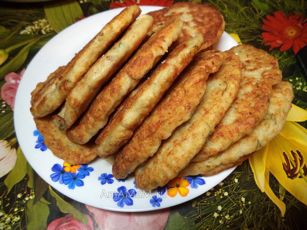 Закусочные оладьи из куриного фарша - рецепт