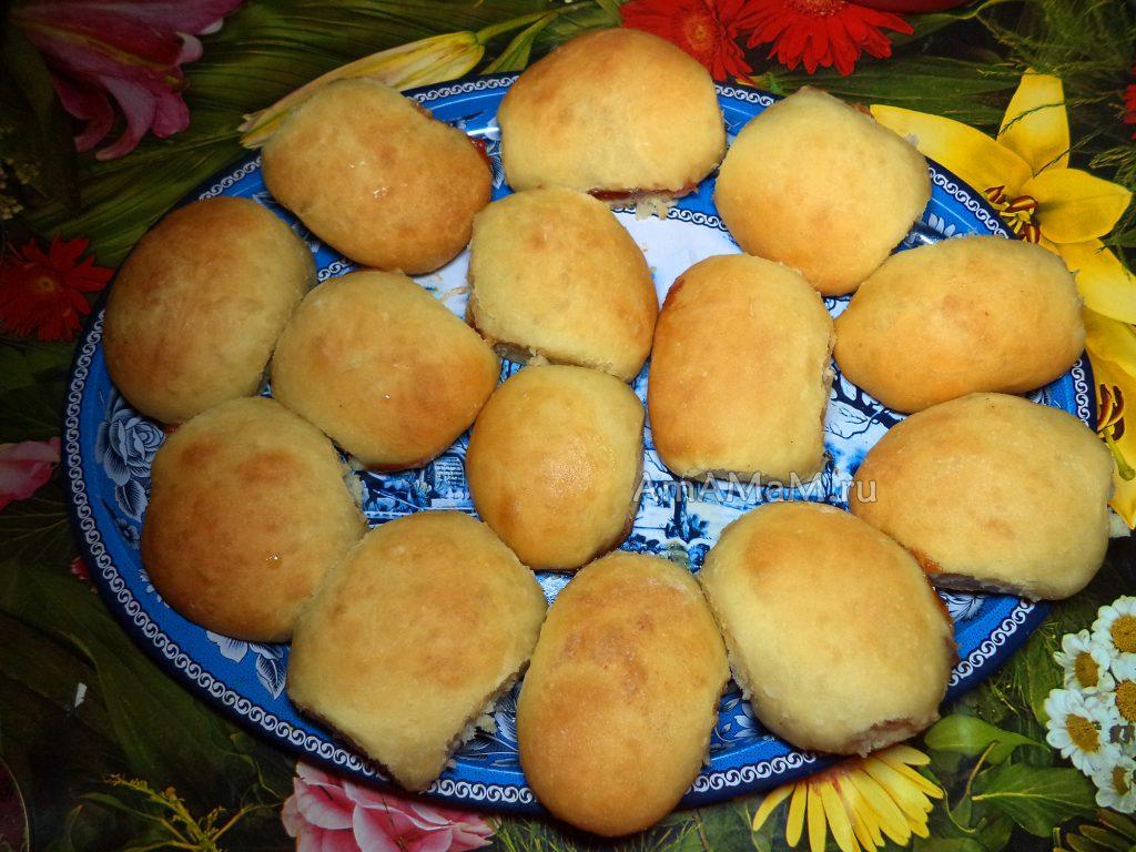 Пирожки печеные с повидлом - рецепт и фото