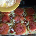 Пицца пикантная с брусникой и курицей