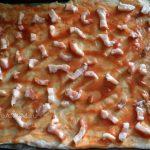 Сборка пиццы с грудинкой - пошаговые фото и рецепт