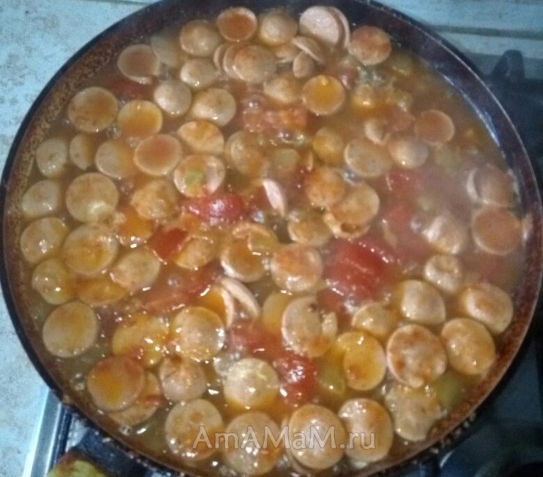 Рецепт тушеных кабачков с картошкой и сосисками