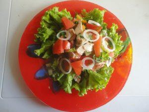 Рецепт салата из жареной рыбы