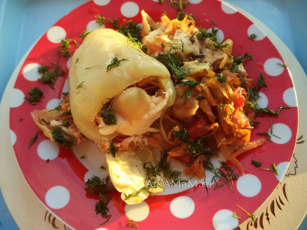 Перец с овощами и макаронами