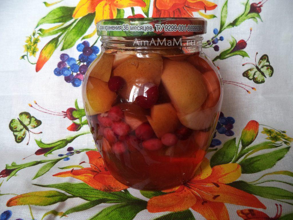 Компот из яблок на зиму с грушами и брусникой
